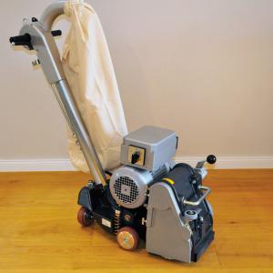 VIPER: Leistungsstarke Band-Schleifmaschine mit Endlosschleifband: Schleifbreite: 200 mm.